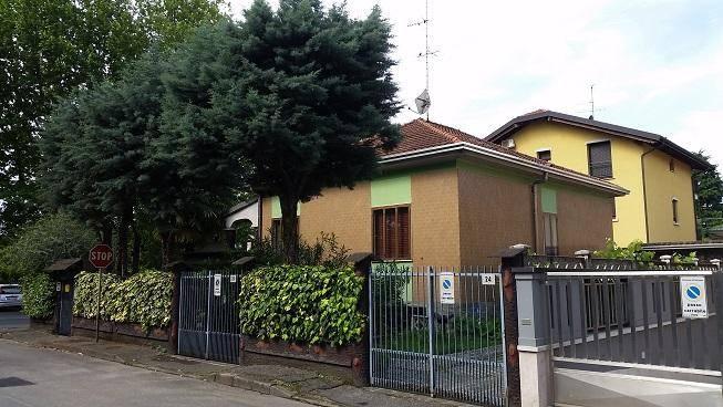Villa in vendita a Senago, 3 locali, prezzo € 330.000 | Cambio Casa.it
