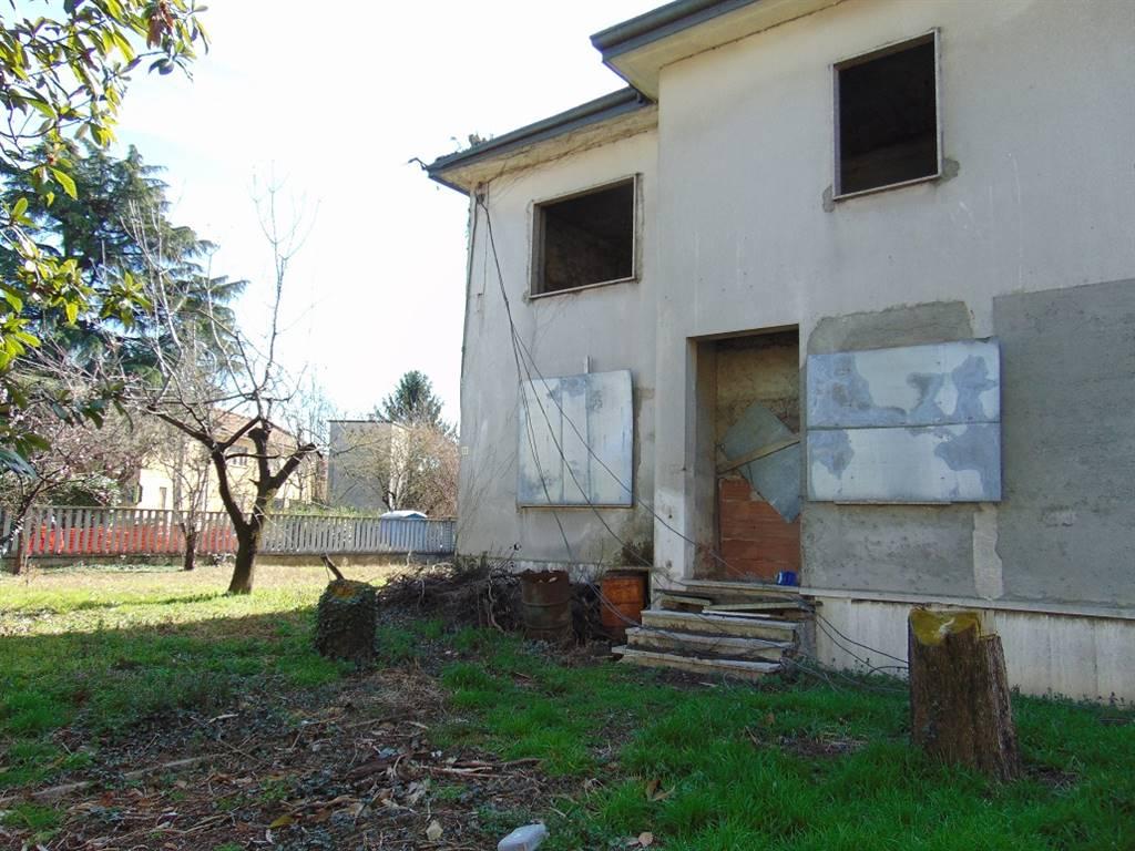 Villa in vendita a Paderno Dugnano, 12 locali, zona Zona: Palazzolo Milanese, prezzo € 450.000 | CambioCasa.it