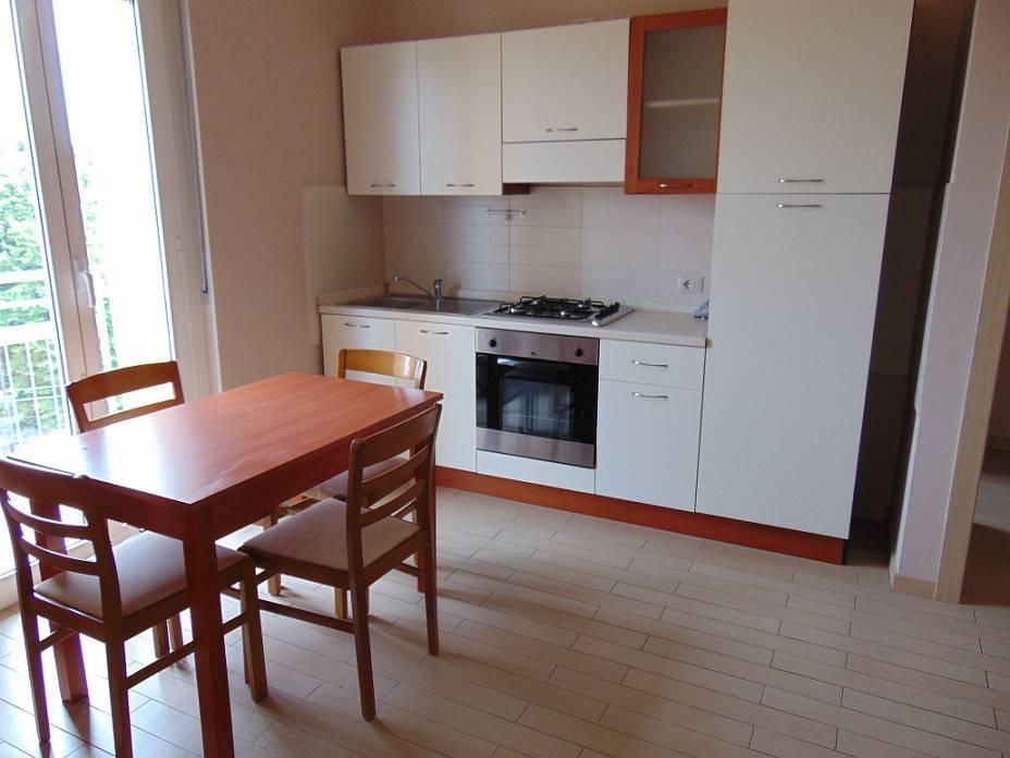 Appartamento in affitto a Limbiate, 2 locali, prezzo € 500 | CambioCasa.it