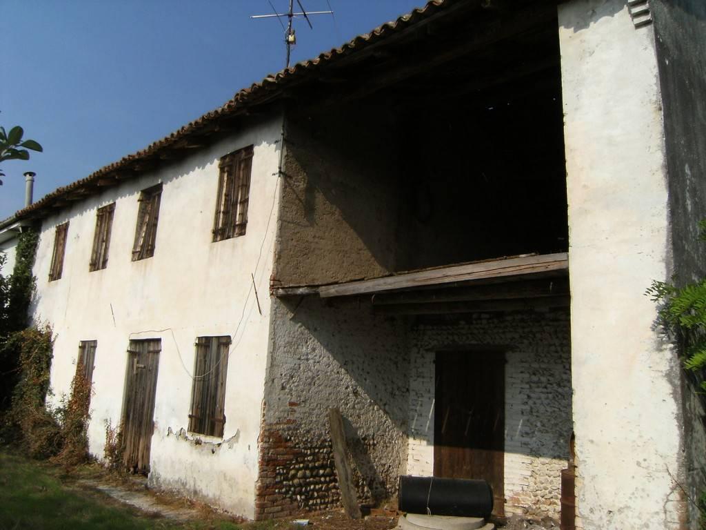 Rustico / Casale in vendita a Volpago del Montello, 8 locali, prezzo € 56.000 | Cambio Casa.it