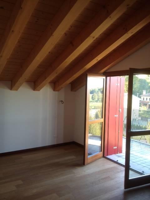 Attico / Mansarda in vendita a Treviso, 5 locali, prezzo € 285.000 | Cambio Casa.it