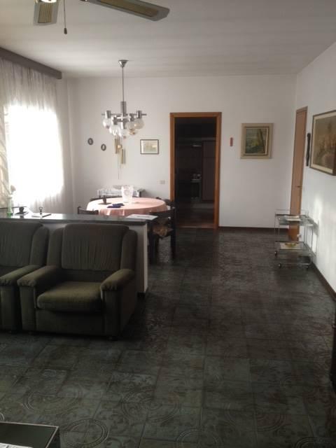 Soluzione Indipendente in vendita a Giavera del Montello, 6 locali, prezzo € 250.000 | Cambio Casa.it