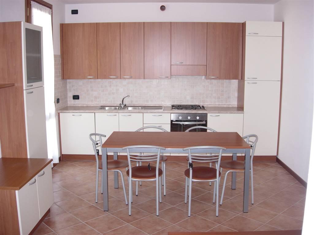 Appartamento in affitto a Paese, 3 locali, prezzo € 500 | Cambio Casa.it