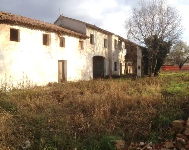 Rustico / Casale in vendita a Paese, 10 locali, prezzo € 250.000 | Cambio Casa.it