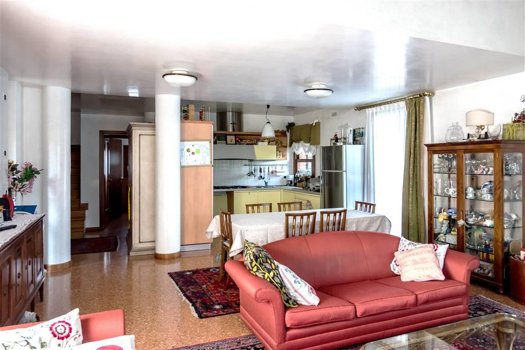 Villa in vendita a Ponzano Veneto, 5 locali, prezzo € 480.000 | Cambio Casa.it