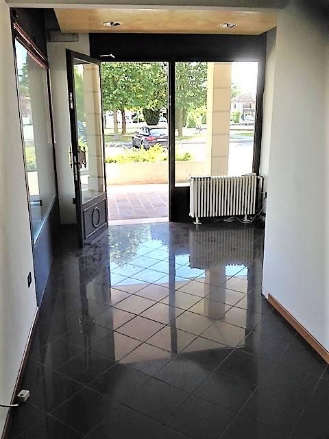 Negozio / Locale in affitto a Villorba, 9999 locali, zona Località: CHIESA VECCHIA, prezzo € 390 | Cambio Casa.it
