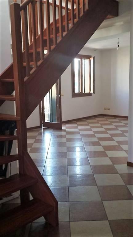 Appartamento in vendita a Paese, 4 locali, prezzo € 165.000 | CambioCasa.it