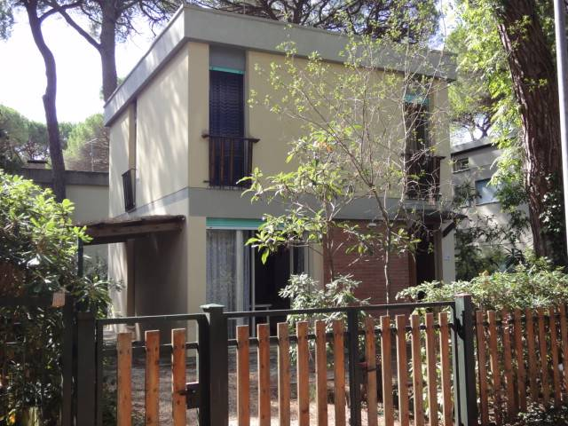 Villa in vendita a Castagneto Carducci, 5 locali, zona Zona: Marina di Castagneto Donoratico, prezzo € 350.000 | Cambio Casa.it