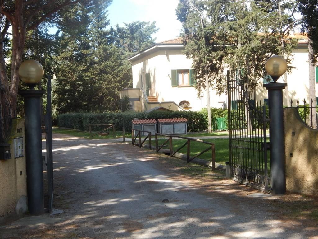 Appartamento in vendita a Castagneto Carducci, 3 locali, zona Zona: Donoratico, prezzo € 135.000 | CambioCasa.it