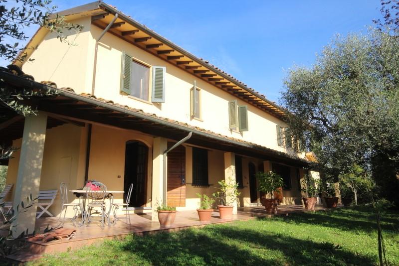 Rustico / Casale in vendita a Cerreto Guidi, 9 locali, prezzo € 750.000 | Cambio Casa.it