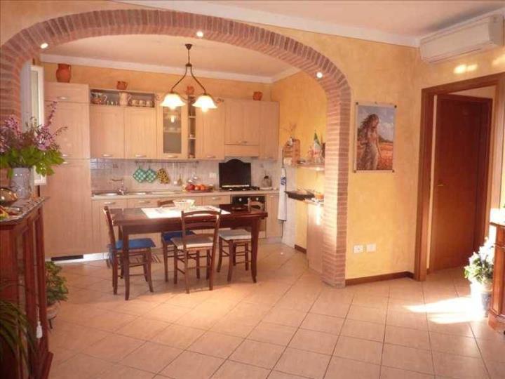Soluzione Indipendente in vendita a Larciano, 4 locali, prezzo € 145.000 | Cambio Casa.it