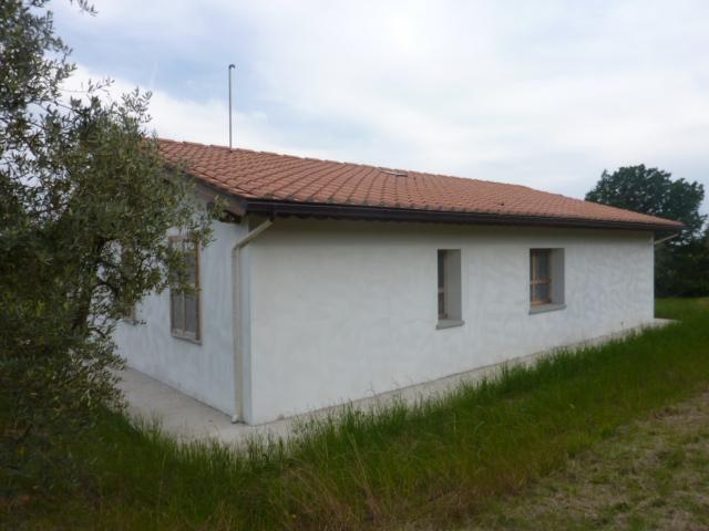 Villa in vendita a Larciano, 5 locali, prezzo € 300.000 | CambioCasa.it