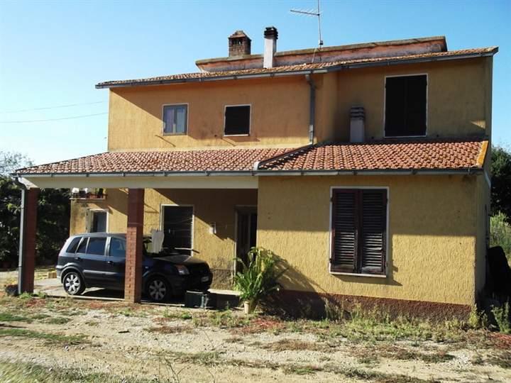 Azienda Agricola in vendita a Campagnatico, 5 locali, zona Zona: Granaione, prezzo € 350.000 | Cambio Casa.it