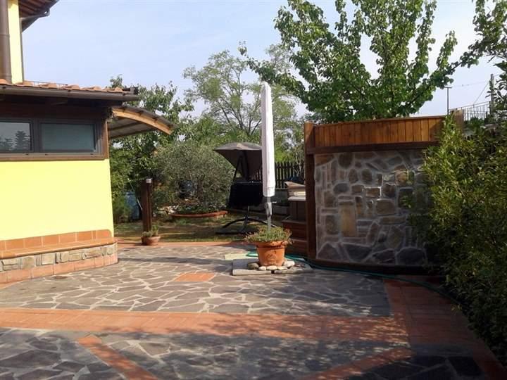 Soluzione Indipendente in vendita a Lamporecchio, 4 locali, prezzo € 198.000 | Cambio Casa.it