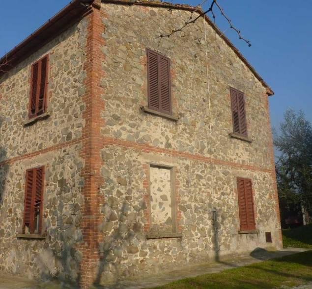 Rustico / Casale in vendita a Larciano, 9 locali, prezzo € 240.000 | Cambio Casa.it