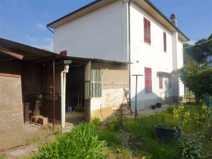 Villa in vendita a Cerreto Guidi, 6 locali, prezzo € 270.000   CambioCasa.it