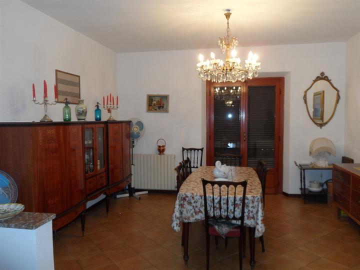 Soluzione Indipendente in vendita a Lamporecchio, 5 locali, prezzo € 110.000 | Cambio Casa.it