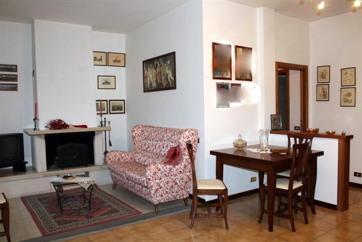 Soluzione Indipendente in vendita a Larciano, 4 locali, prezzo € 155.000 | Cambio Casa.it