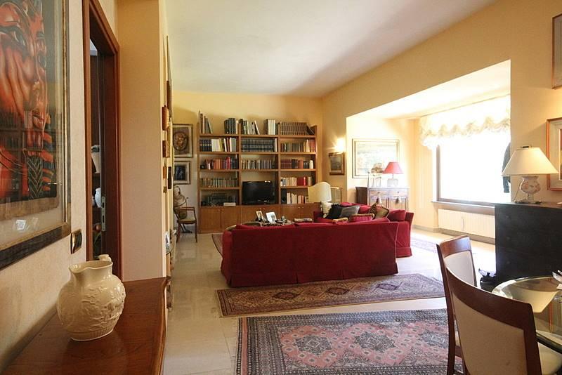 Villa in vendita a Lamporecchio, 8 locali, prezzo € 480.000 | Cambio Casa.it