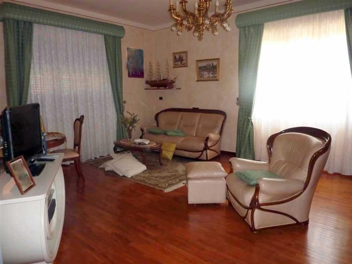 Villa in vendita a Cerreto Guidi, 9 locali, Trattative riservate | Cambio Casa.it