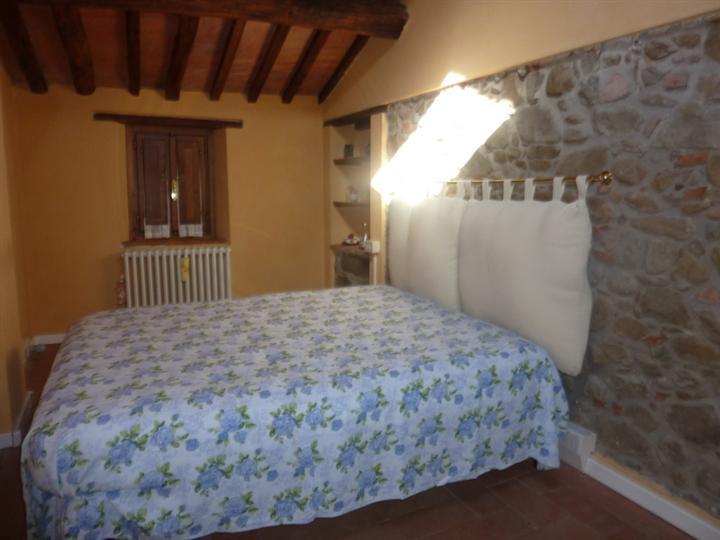 Rustico / Casale in vendita a Lamporecchio, 3 locali, prezzo € 110.000 | CambioCasa.it
