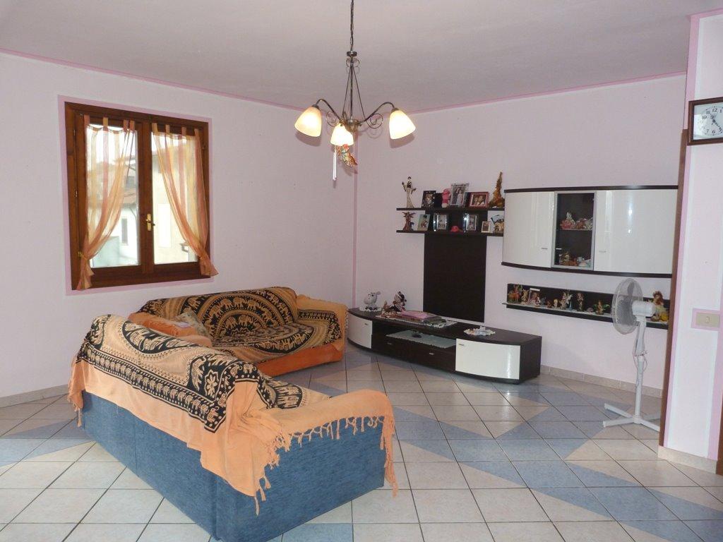 Soluzione Indipendente in vendita a Lamporecchio, 4 locali, prezzo € 125.000 | Cambio Casa.it