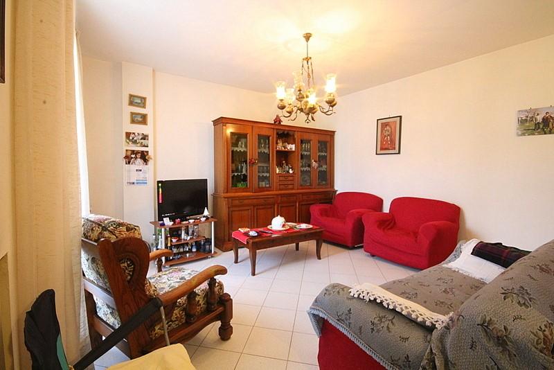 Soluzione Indipendente in vendita a Cerreto Guidi, 5 locali, prezzo € 220.000 | Cambio Casa.it