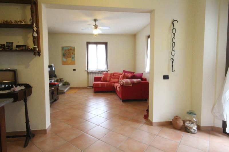 Soluzione Indipendente in vendita a Lamporecchio, 5 locali, prezzo € 199.000 | Cambio Casa.it