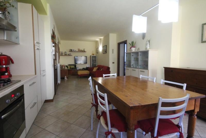 Appartamento in vendita a Lamporecchio, 4 locali, prezzo € 220.000 | Cambio Casa.it