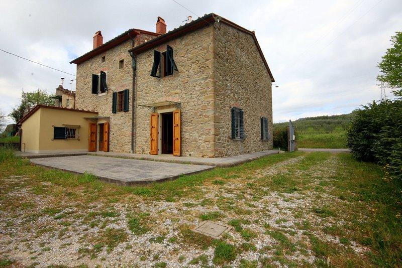 Rustico / Casale in vendita a Monsummano Terme, 7 locali, prezzo € 390.000 | Cambio Casa.it