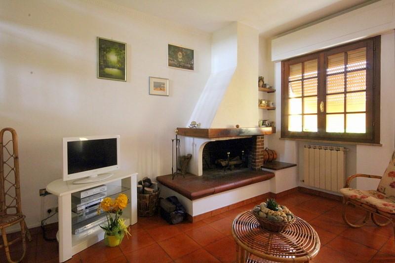 Villa a Schiera in vendita a Lamporecchio, 5 locali, prezzo € 165.000 | Cambio Casa.it