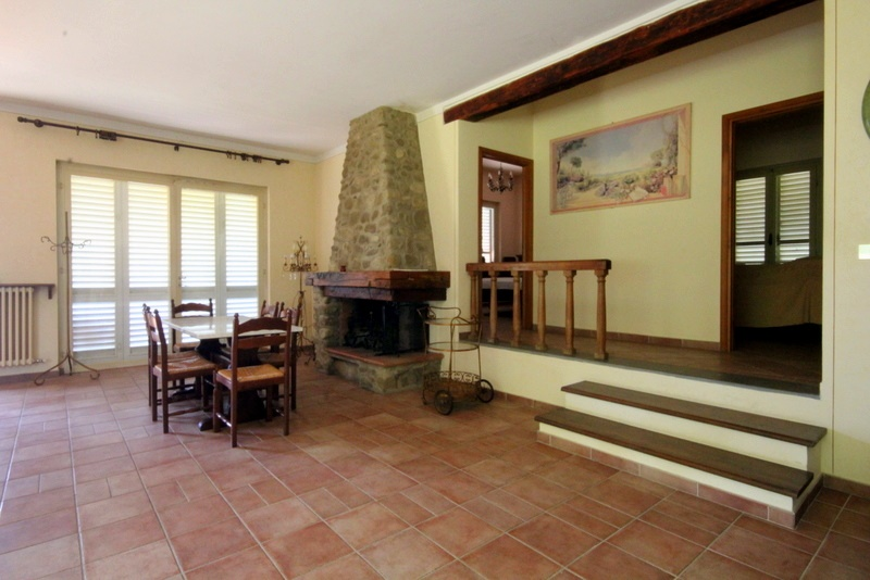 Villa in vendita a Serravalle Pistoiese, 7 locali, prezzo € 319.000 | CambioCasa.it