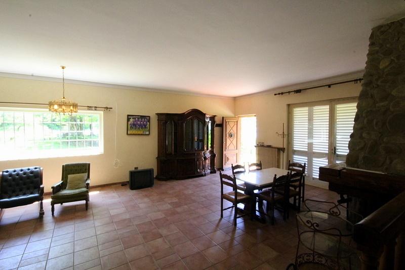 Villa in vendita a Serravalle Pistoiese, 7 locali, prezzo € 350.000 | Cambio Casa.it