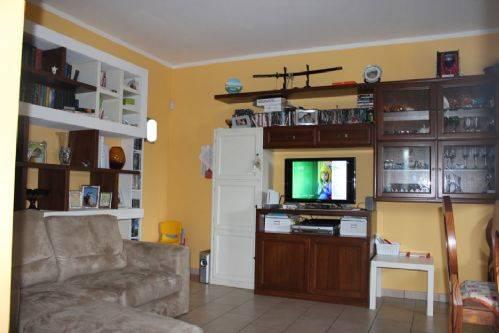 Soluzione Indipendente in vendita a Vinci, 4 locali, prezzo € 195.000   Cambio Casa.it