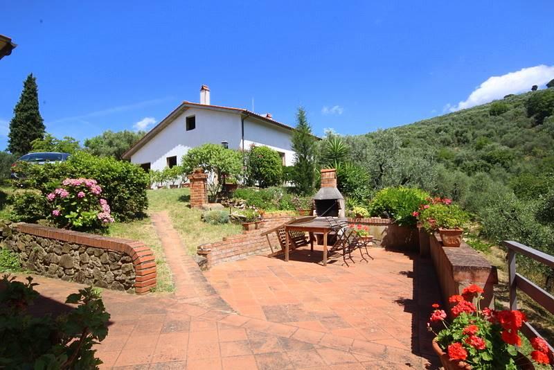 Rustico / Casale in vendita a Serravalle Pistoiese, 10 locali, prezzo € 315.000 | CambioCasa.it