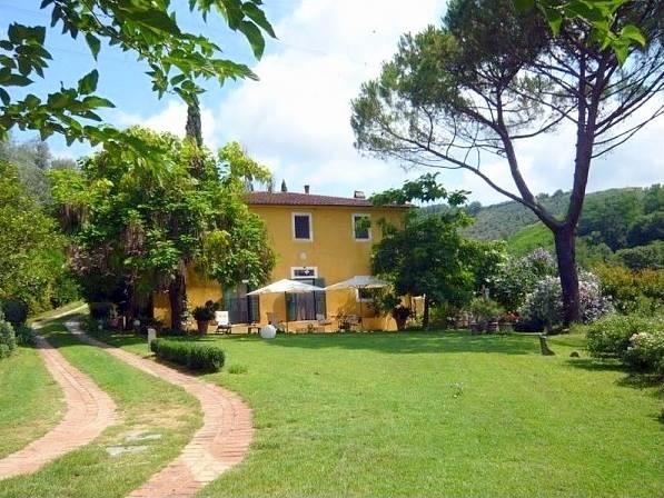 Rustico / Casale in vendita a Larciano, 8 locali, prezzo € 570.000 | CambioCasa.it