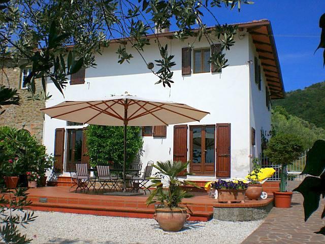 Rustico / Casale in vendita a Larciano, 7 locali, prezzo € 480.000 | CambioCasa.it
