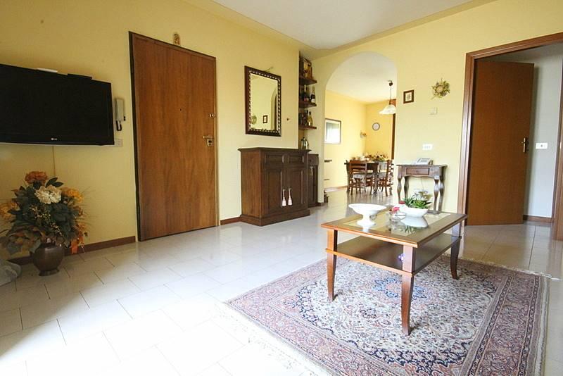 Appartamento in vendita a Lamporecchio, 4 locali, prezzo € 135.000 | Cambio Casa.it