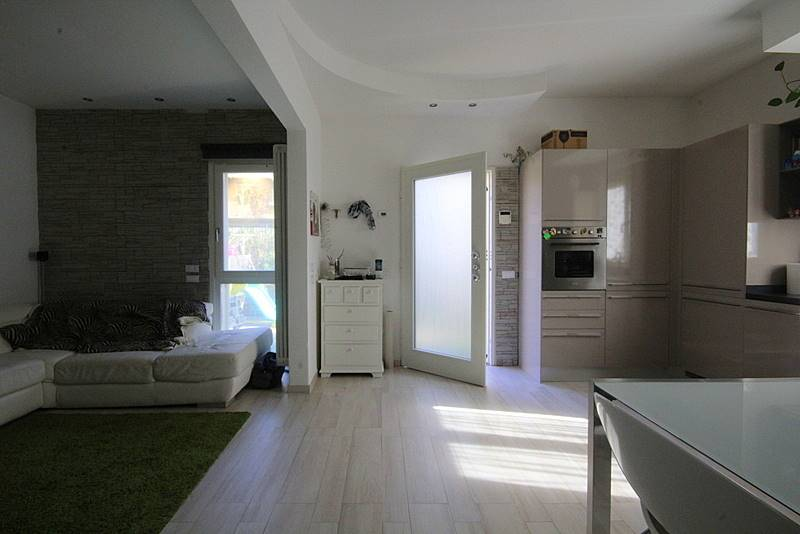 Villa in vendita a Lamporecchio, 4 locali, prezzo € 190.000 | Cambio Casa.it
