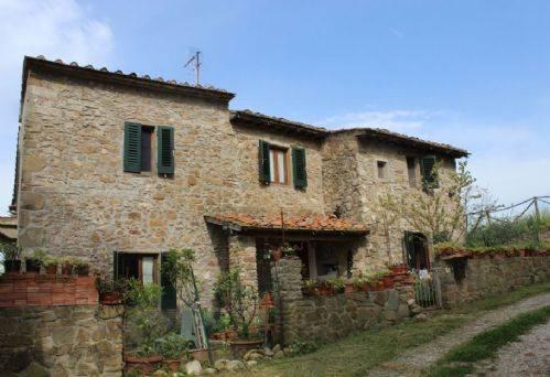 Rustico / Casale in vendita a Lamporecchio, 5 locali, prezzo € 210.000 | CambioCasa.it
