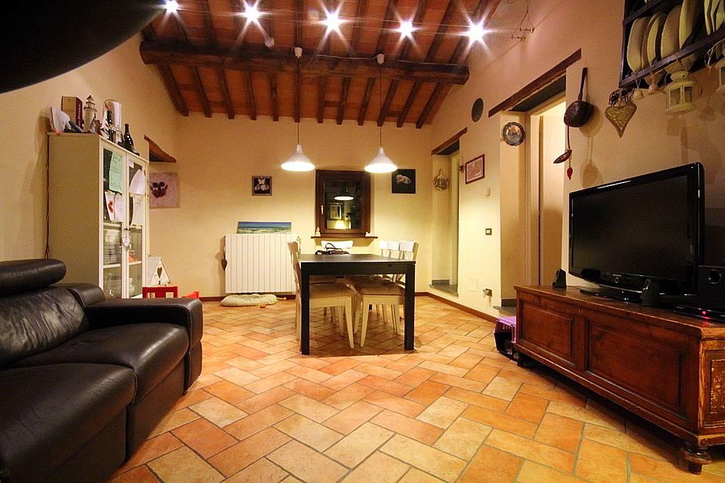 Appartamento in vendita a Larciano, 4 locali, prezzo € 163.000 | Cambio Casa.it