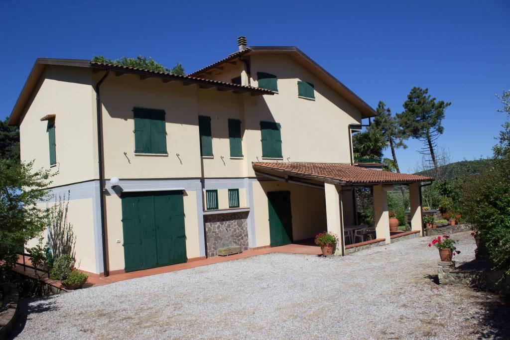 Villa in vendita a Serravalle Pistoiese, 8 locali, prezzo € 650.000 | Cambio Casa.it