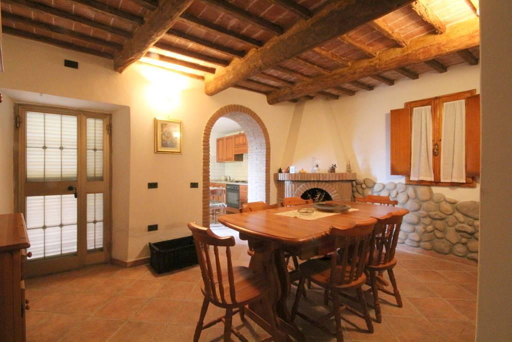 Rustico / Casale in vendita a Lamporecchio, 4 locali, prezzo € 120.000 | Cambio Casa.it