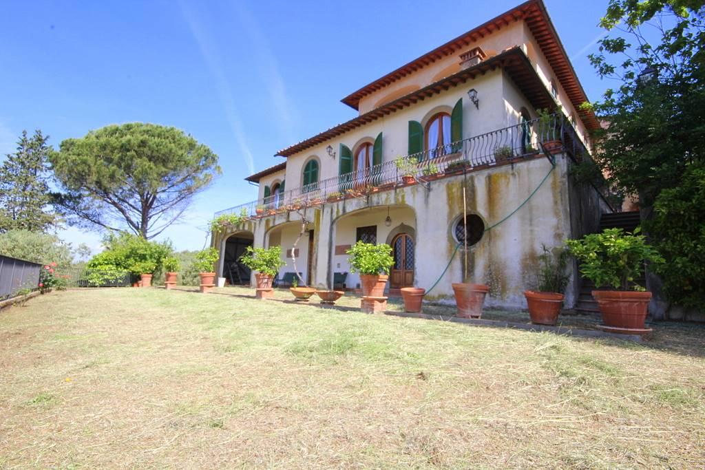 Villa in vendita a Lamporecchio, 30 locali, Trattative riservate | CambioCasa.it