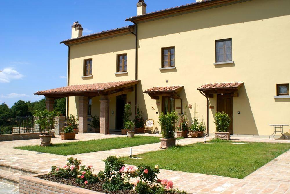 Rustico / Casale in vendita a Larciano, 4 locali, prezzo € 279.000 | CambioCasa.it