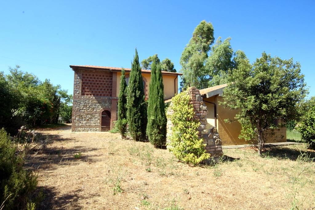 Rustico / Casale in vendita a Santa Luce, 9 locali, prezzo € 370.000 | CambioCasa.it