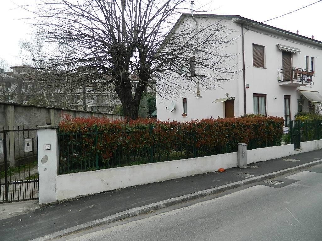 Appartamento in vendita a Trezzo sull'Adda, 3 locali, prezzo € 115.000 | CambioCasa.it