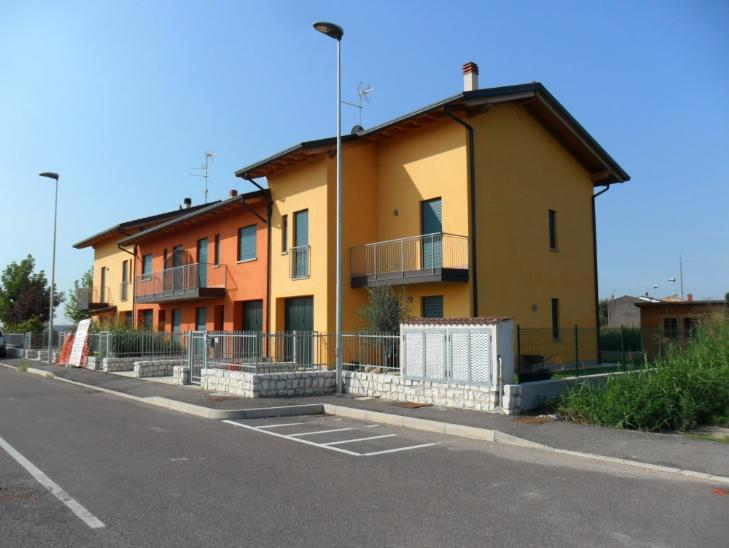 Villa a Schiera in vendita a Roverchiara, 2 locali, zona Zona: Roverchiaretta, prezzo € 149.000 | Cambio Casa.it