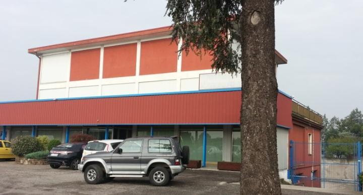 Attività / Licenza in affitto a Zevio, 9999 locali, zona Zona: Campagnola, prezzo € 3.900 | Cambio Casa.it