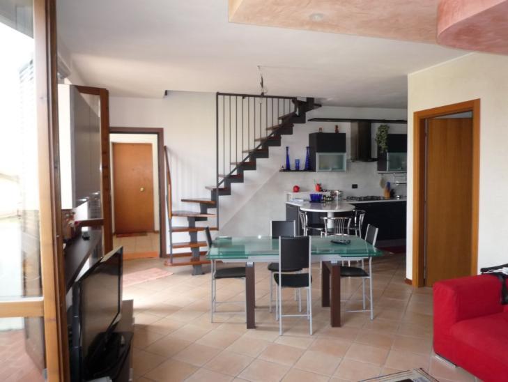 Appartamento in vendita a San Giovanni Lupatoto, 5 locali, prezzo € 249.000 | Cambio Casa.it